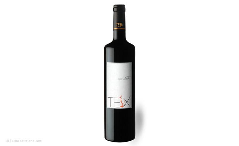 Diseño etiqueta de vino tinto por estudio de diseño gráfico tuctucbarcelona
