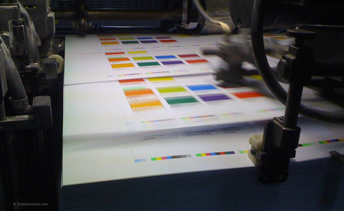 Gestión y consultoría de impresión proyectos gráficos donde se abarca de forma global todos los procesos que intervienen en el diseño gráfico de cualquier proyecto.